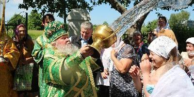 В День Святого Духа епископ Великолукский и Невельский Сергий совершил Божественную…